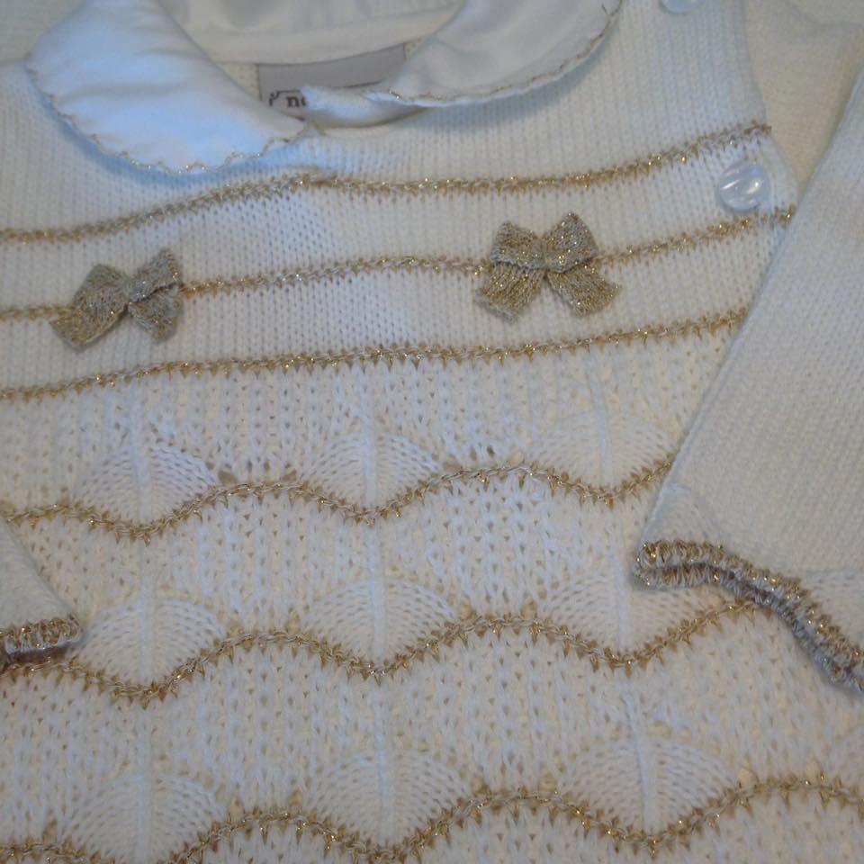 Macacão com manta  jacquard ondulado dourado